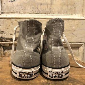 Converse Shoes - Converse Chuck Taylor High top sneaker EUC